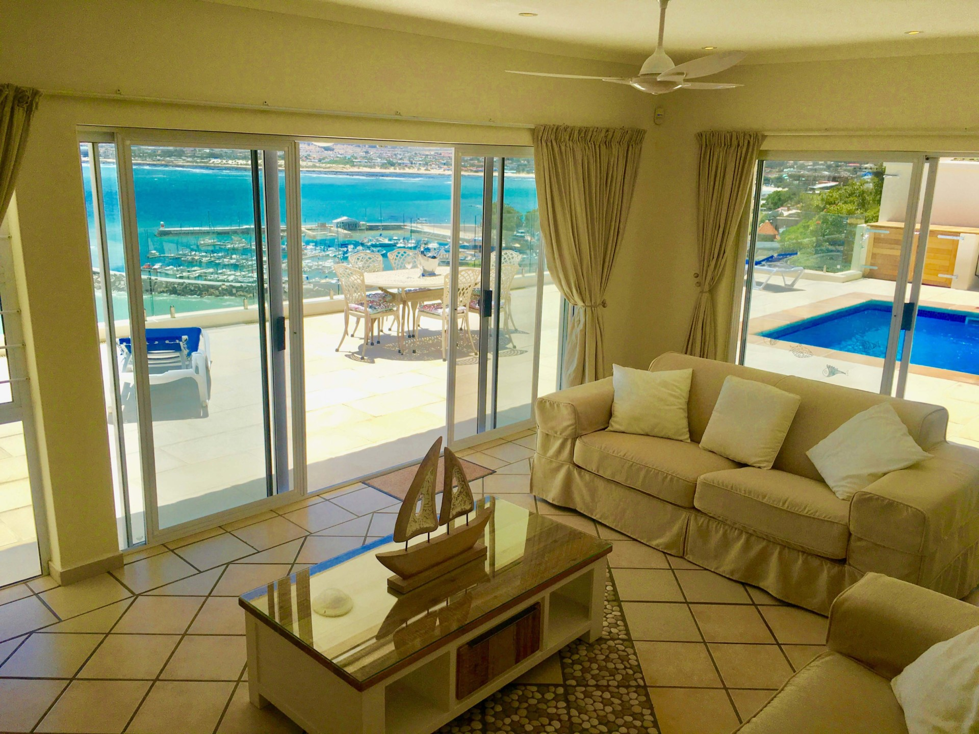 2 bedroom apartment lounge 5 ocean view apartments for Five bedroom apartments